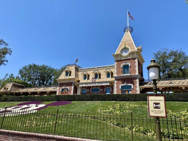 Disneyland Social Distancing Sign