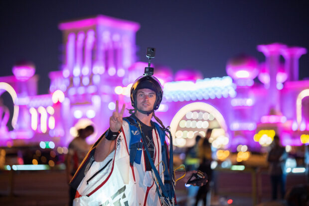 Skydiver helps break Guinness World Record