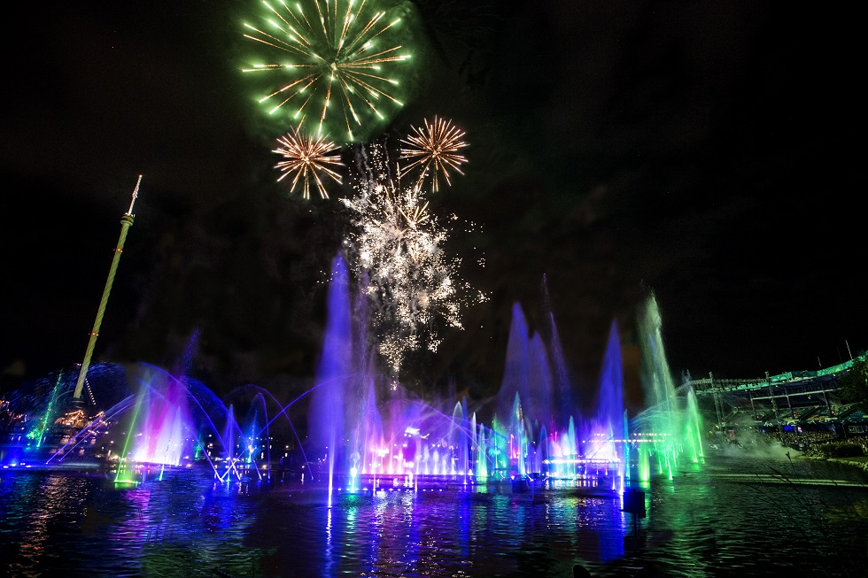 SeaWorld Electric Ocean fireworks