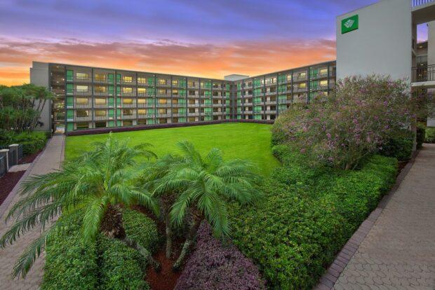 Disney Springs Resort Area Hotels - Wyndham Garden