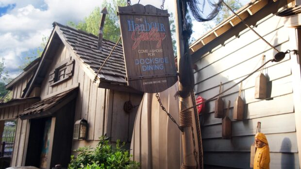 Disneyland Dining - Harbour Galley
