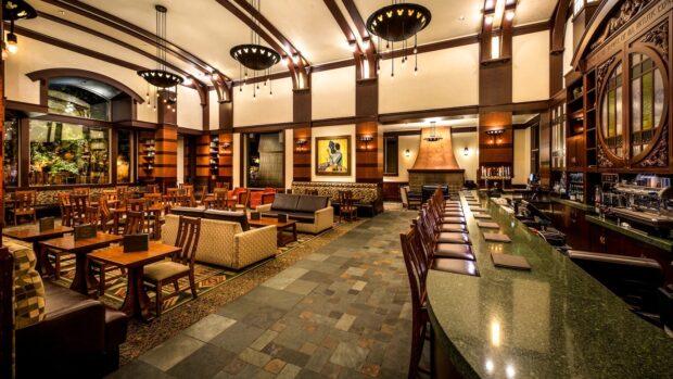 Disneyland Dining - Hearthstone Lounge