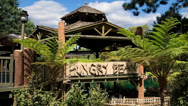 Disneyland Dining - Hungry Bear restaurant