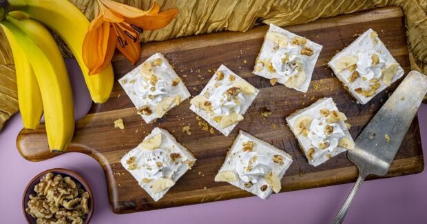 Golden Cheesecake Banana Bars
