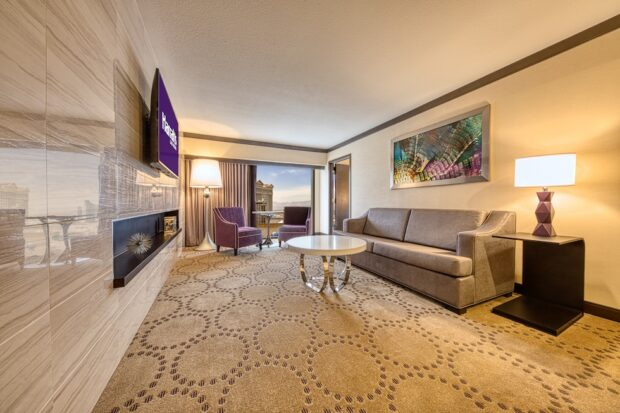 Harrah's Las Vegas renovated Suite