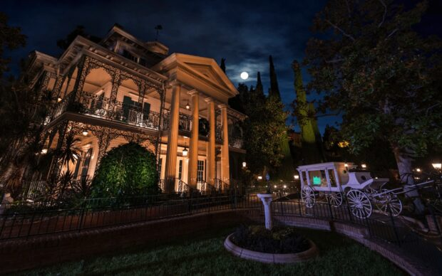 Behind the Attraction - Haunted Mansion