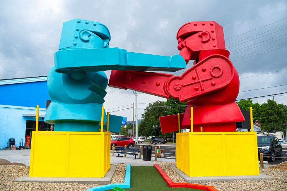 Toy Box Mini Golf robots - pigeon forge