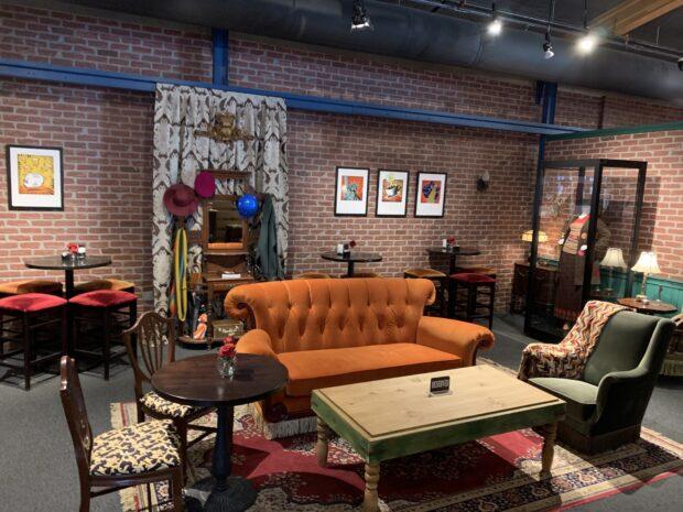 Warner Bros. Studio Tour - Central Perk