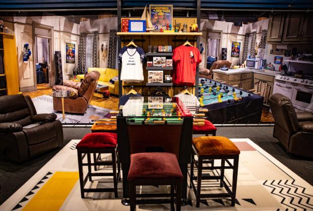 Warner Bros. Studio Tour - Joey & Chandler's Apartment