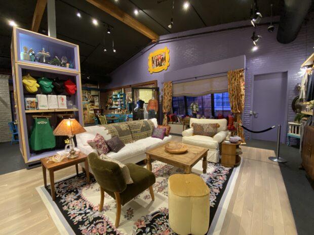Warner Bros. Studio Tour - Monica's Apartment
