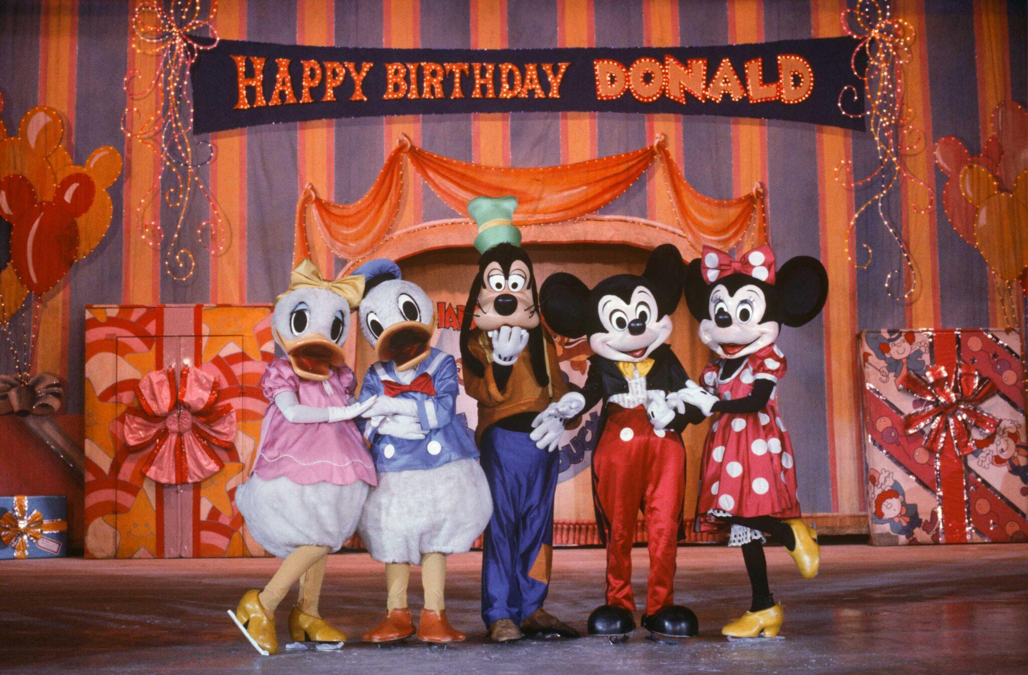 Disney on Ice Happy Birthday Donald