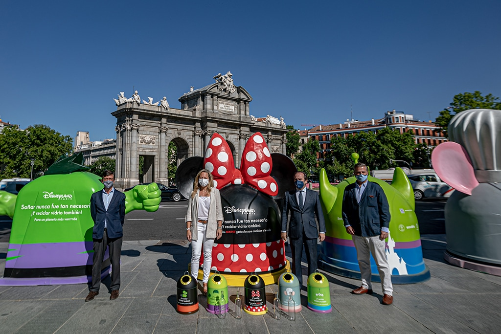 Disneyland Paris - Glass recycling campaign in Spain