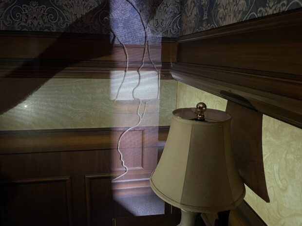 halloween horror nights hollywood sneak peek - haunting of hill house