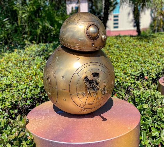 BB-8 golden statue