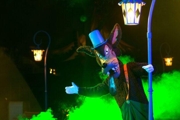 Hong Kong Disneyland Halloween Time - Big Bad Wolf