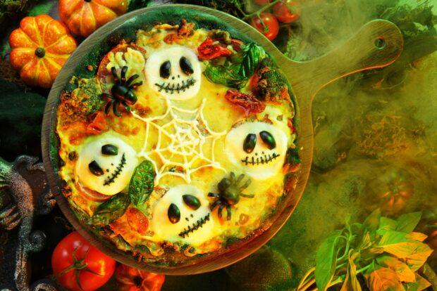 Hong Kong Disneyland Halloween Time - Jack pizza
