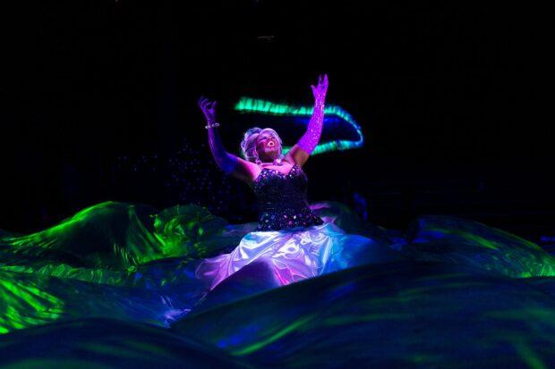 Hong Kong Disneyland Halloween Time - Ursula