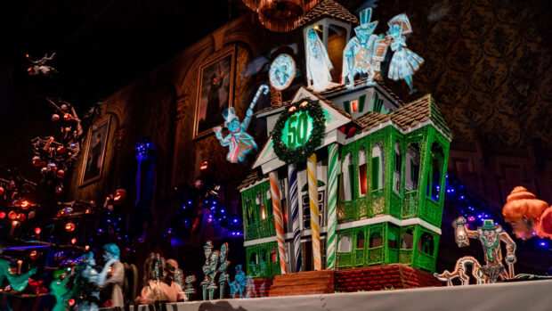 Haunted Mansion Holiday 2019 gingerbread house