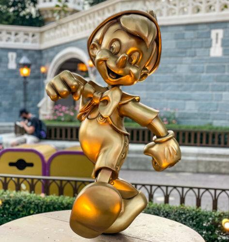 Pinocchio golden statue