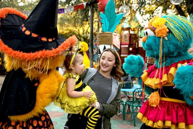 Sesame Street Kid's Weekends Zoe