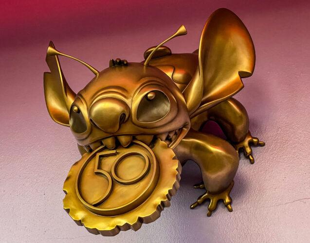 Stitch fab 50 golden statue