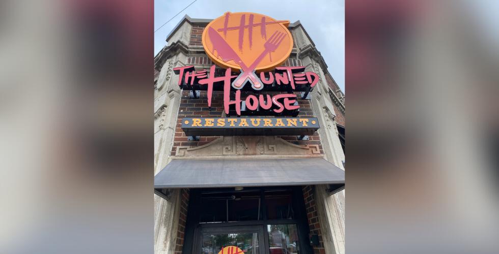 haunted house restaurant
